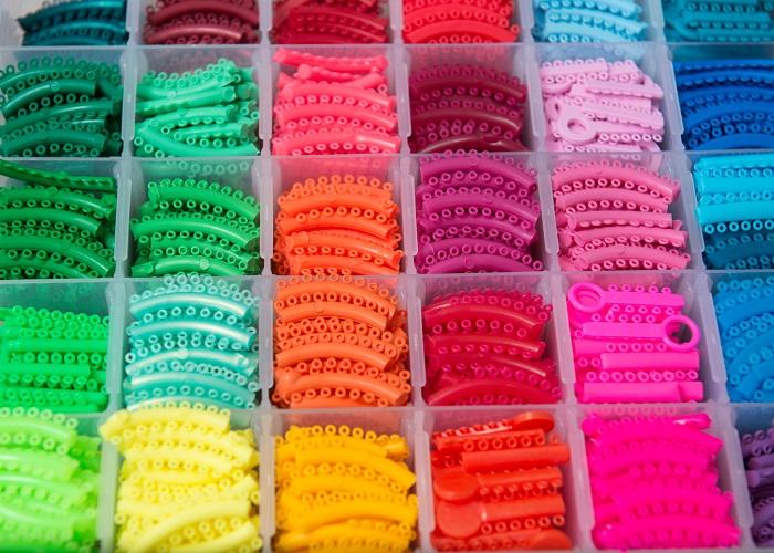 انتخاب بهترین رنگ ارتودنسی